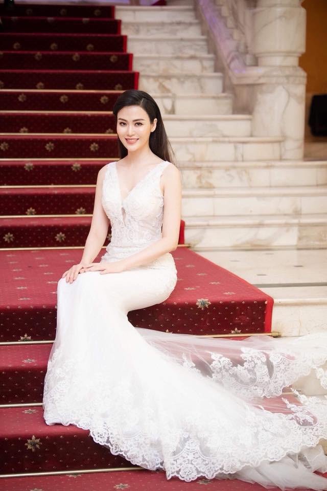 Nhan sắc trẻ đẹp bất chấp thời gian của Hoa hậu Việt Nam 1994 Nguyễn Thu Thủy sau 24 năm đăng quang - Ảnh 4.