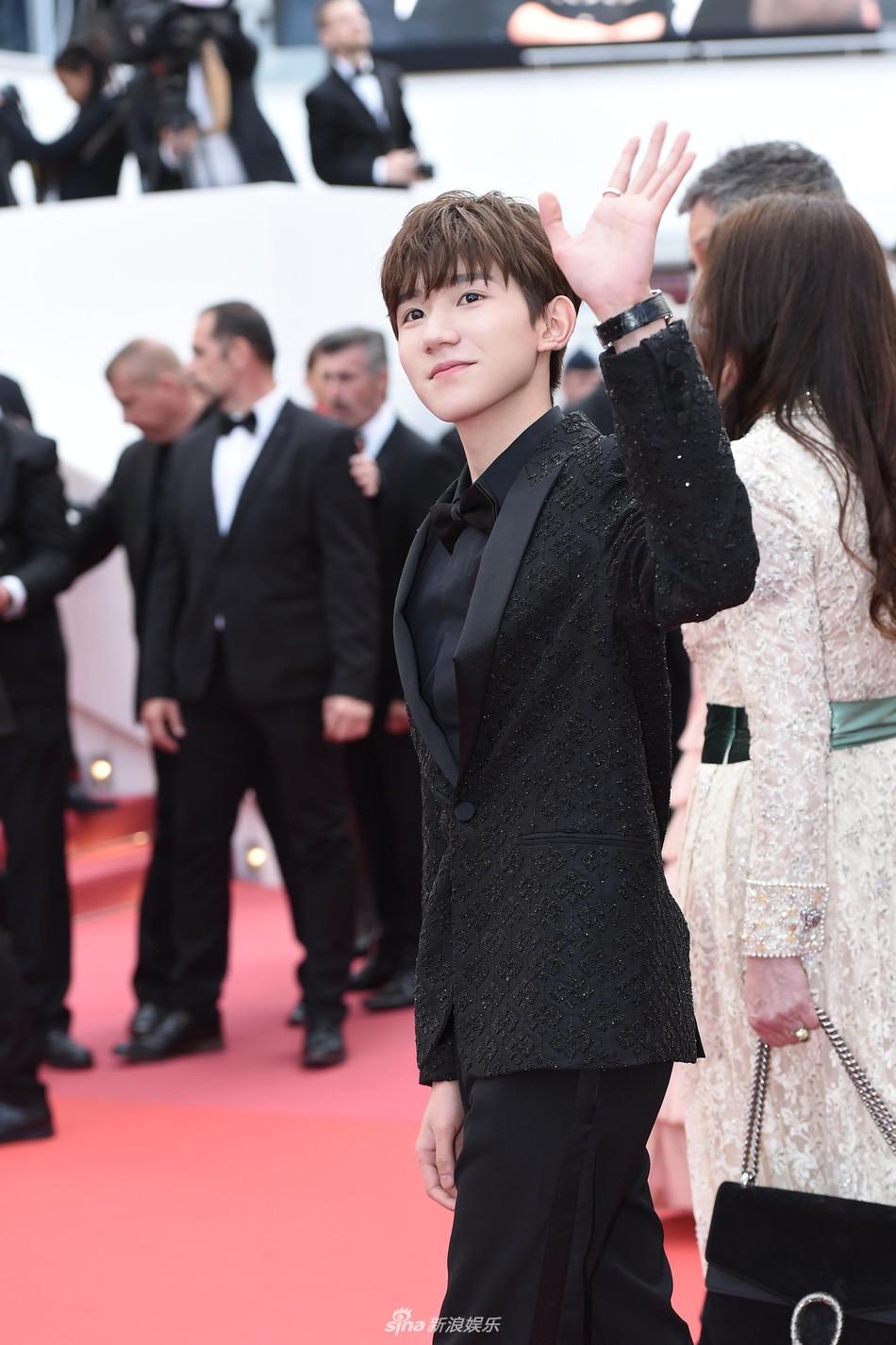 Mỹ nam Vương Nguyên TFboys lần đầu tới Cannes, hớn hở chụp ảnh chung cùng bạn trai Taylor Swift - Ảnh 3.
