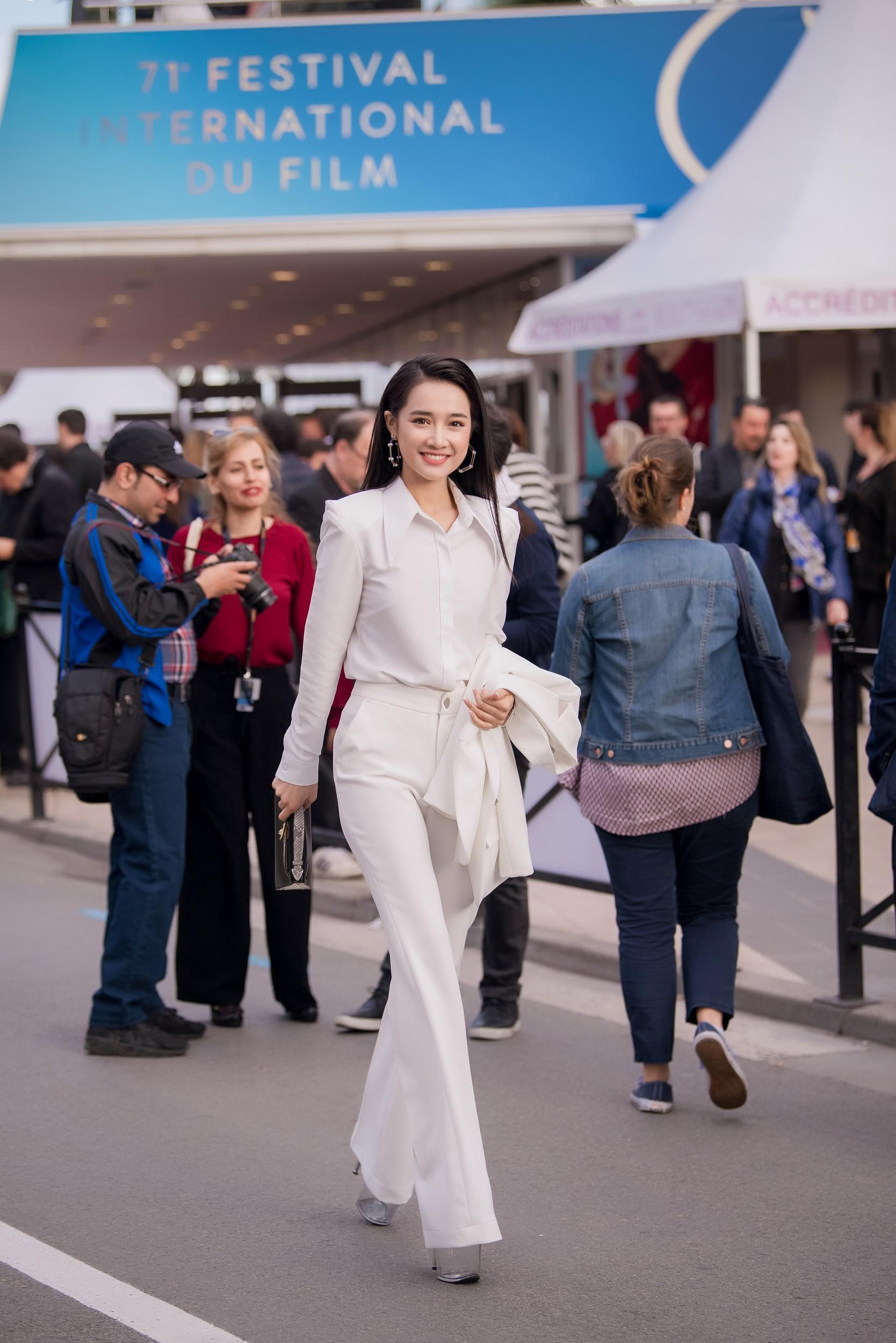 Sau lùm xùm tình ái, Nhã Phương lấy lại thần thái rạng rỡ khi xuất hiện tại Cannes - Ảnh 2.