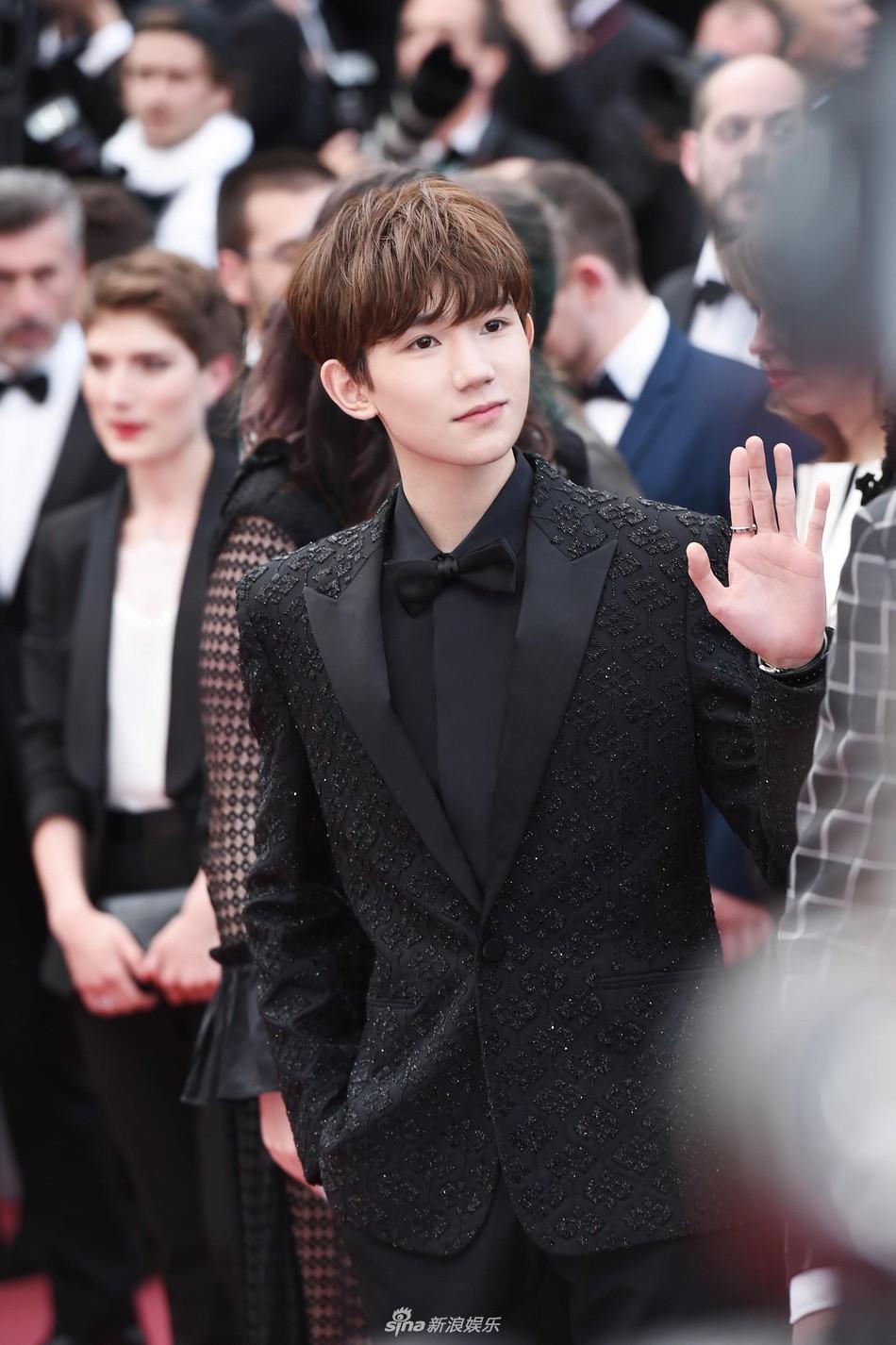 Mỹ nam Vương Nguyên TFboys lần đầu tới Cannes, hớn hở chụp ảnh chung cùng bạn trai Taylor Swift - Ảnh 5.