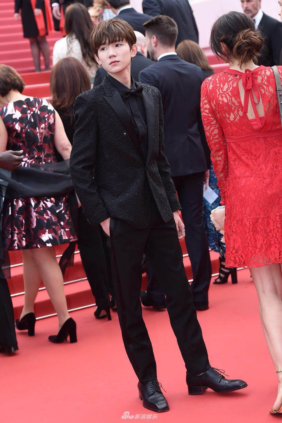 Mỹ nam Vương Nguyên TFboys lần đầu tới Cannes, hớn hở chụp ảnh chung cùng bạn trai Taylor Swift - Ảnh 11.