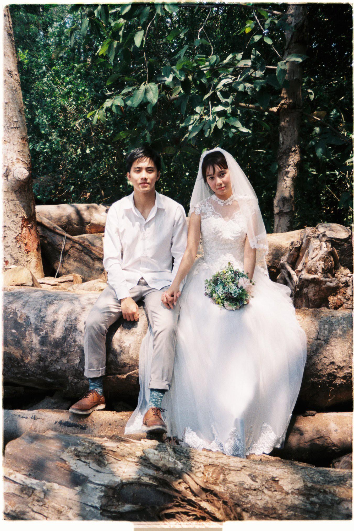 30 phút mượn vườn nhà bác hàng xóm, 9X Việt cho ra bộ ảnh cưới chất như film Hong Kong - Ảnh 11.