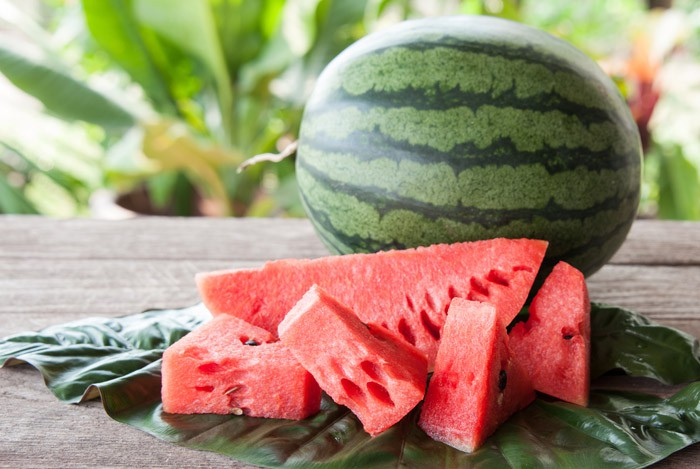 Mấy ngày nắng nóng cứ bổ sung những loại trái cây này thì vừa mát cơ thể, vừa đẹp dáng, đẹp da bất ngờ - Ảnh 1.