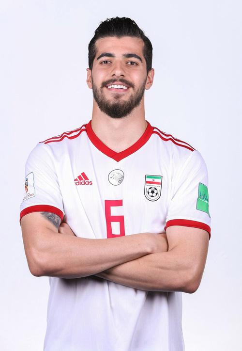 Dàn tuyển thủ Iran như người mẫu này đang gây sốt ở World Cup 2018 - Ảnh 11.