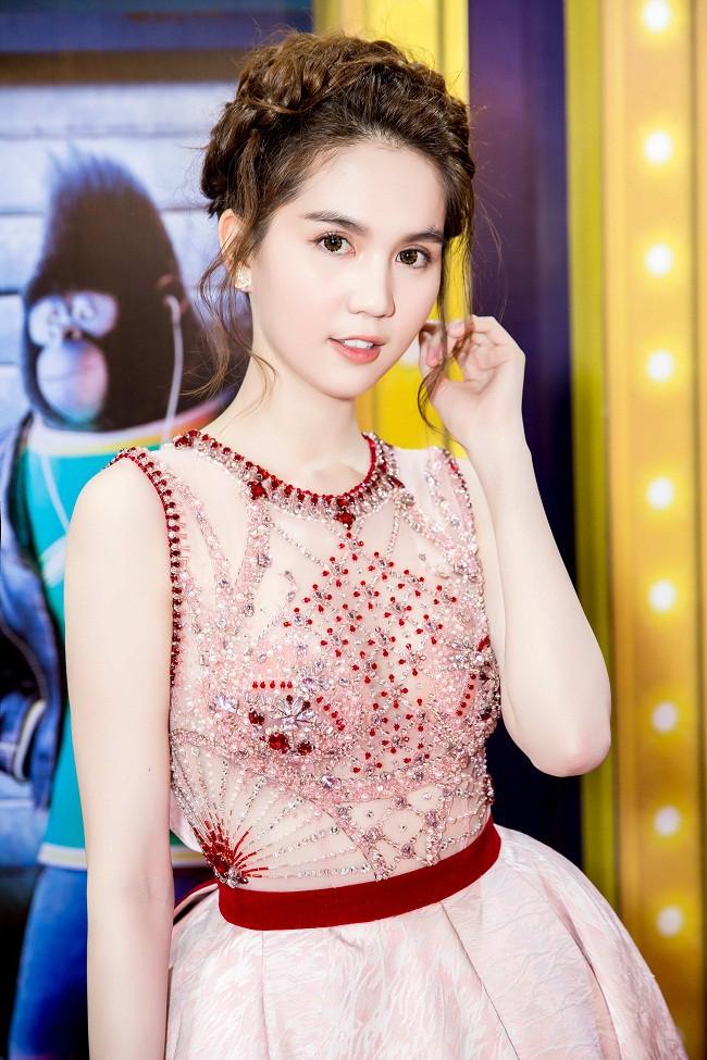 Ngọc Trinh diện váy bồng bềnh hóa công chúa nhưng kiểu tóc này lại làm lộ gương mặt tròn xoe - Ảnh 8.