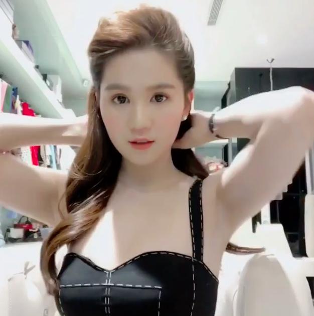 Ngọc Trinh diện váy bồng bềnh hóa công chúa nhưng kiểu tóc này lại làm lộ gương mặt tròn xoe - Ảnh 4.
