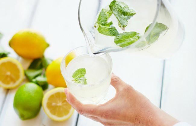 Đang nắng hơn 40 độ C ở Hà Nội: ăn gì để phòng tránh nguy cơ đau đầu, chóng mặt? - Ảnh 6.