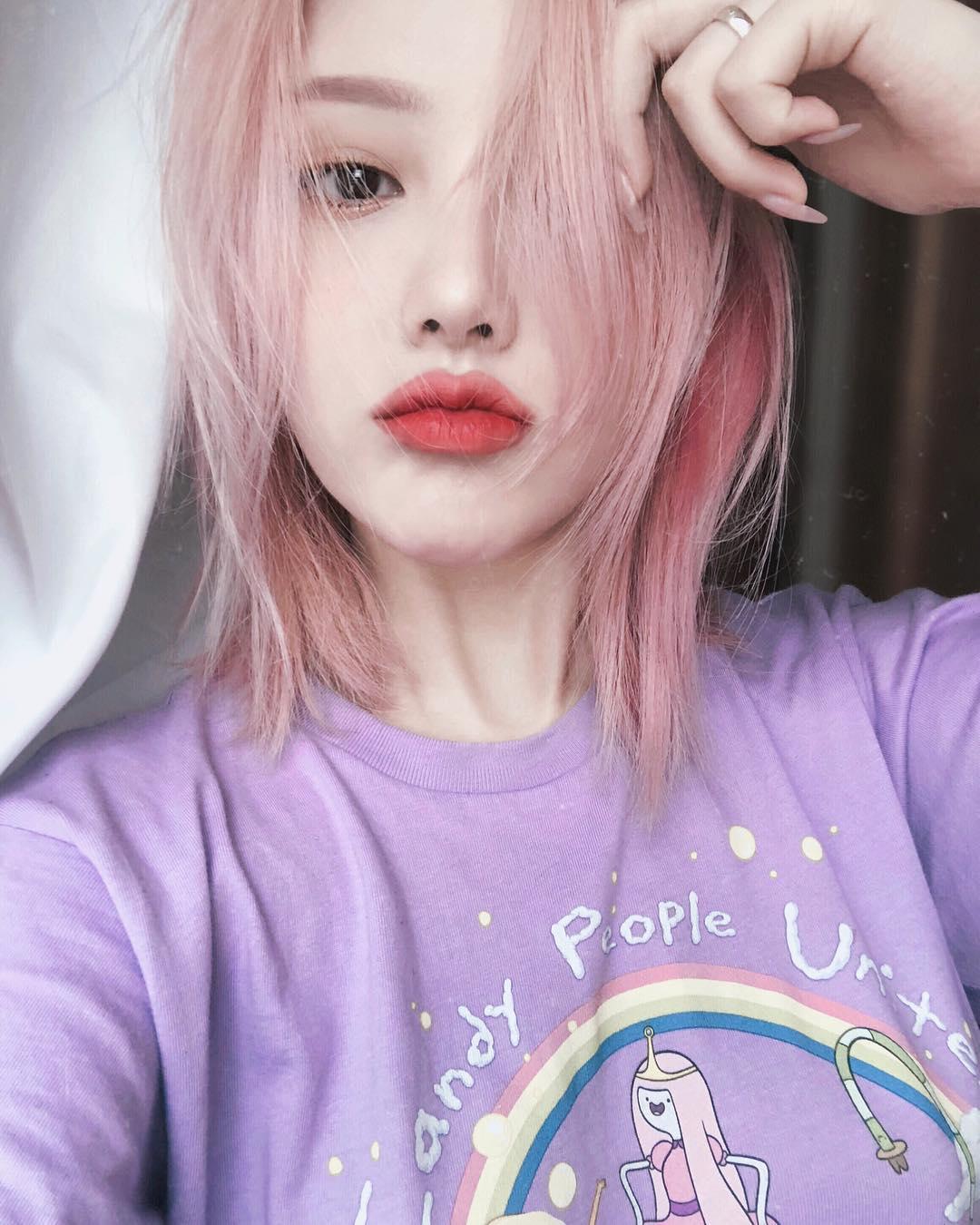 Điểm qua những makeup look siêu xinh của Phù thủy Pony mà con gái có thể tập tành áp dụng trong hè