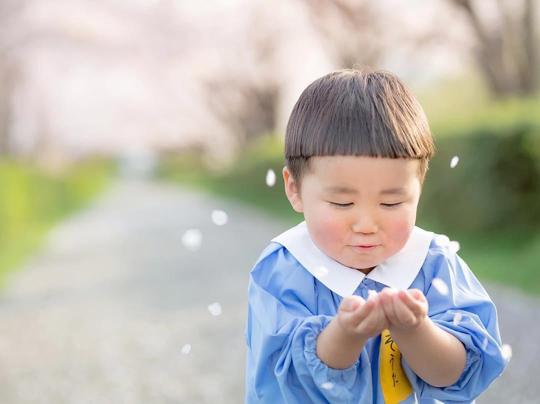 Cậu Nhóc Nhật Bản Đầu Nấm Má Phính Với 1001 Biểu Cảm Không Yêu ...