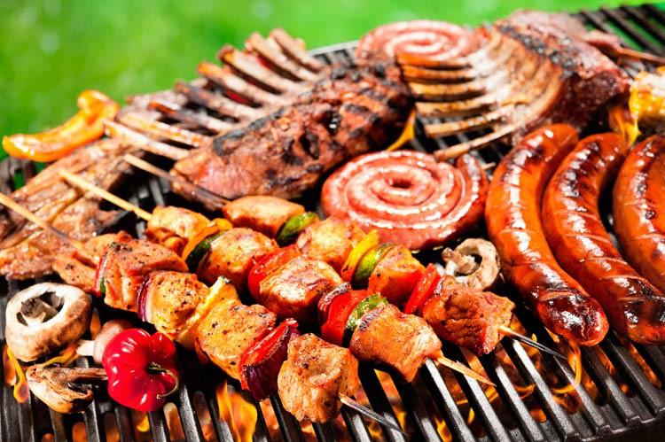 Sửa ngay 5 thói quen ăn tối có thể làm tăng cao nguy cơ mắc bệnh ung thư đại trực tràng - Ảnh 1.