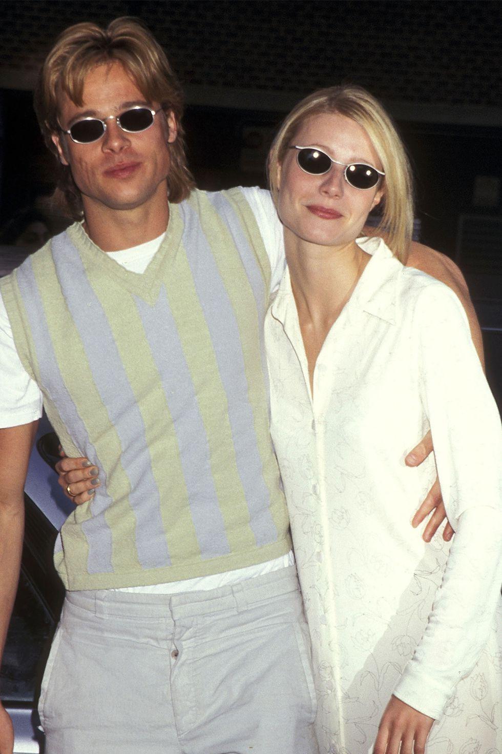Brad Pitt và Gwyneth Paltrow là một trong những cặp đôi được yêu thích nhất thập kỷ 90. Và hai bộ trang phục tối giản, mang sắc màu tươi sáng này lại càng khiến cặp đôi trở nên ngọt ngào, đáng ngưỡng mộ hơn trong mắt công chúng.