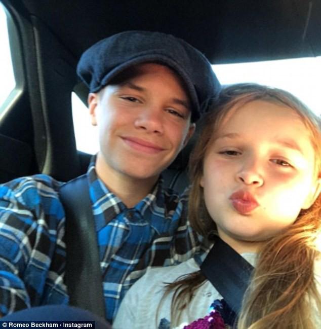 Sinh nhật 7 tuổi của Harper Beckham: Được cưỡi ngựa, thưởng thức trà và bánh kem hình kỳ lân đáng yêu - Ảnh 9.