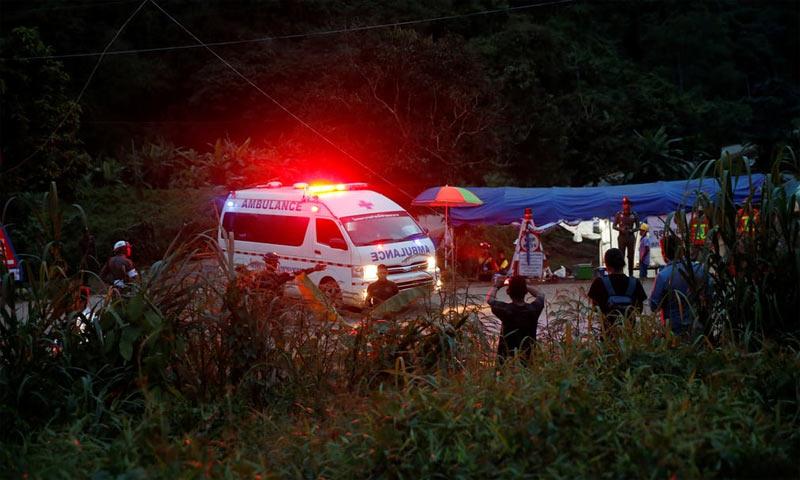 Nghi vấn dùng thuốc mê giải cứu đội bóng Thái Lan?