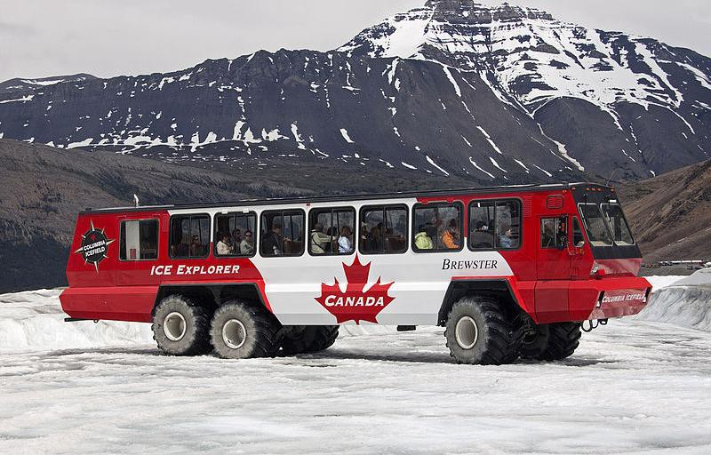 Những hệ thống giao thông công cộng kỳ lạ nhất thế giới: Tàu chạy bằng sức người, thang cuốn dài 800 mét - Ảnh 10.