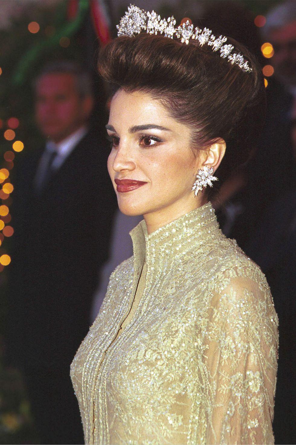 15 kiểu tóc ấn tượng của các người đẹp Hoàng gia: kiểu nào cũng hoàn hảo tựa như một tuyệt phẩm - Ảnh 9.