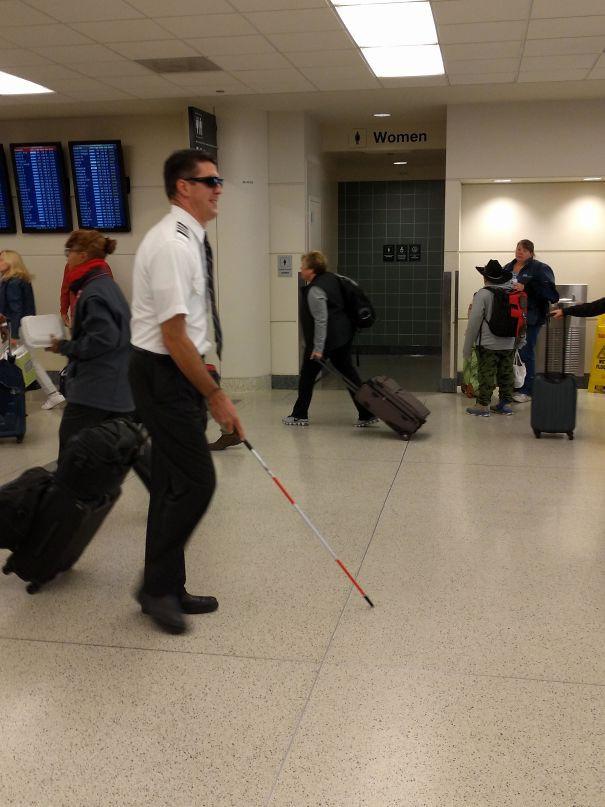 Tổng hợp những hình ảnh kỳ thú chỉ có ở sân bay - Ảnh 14.