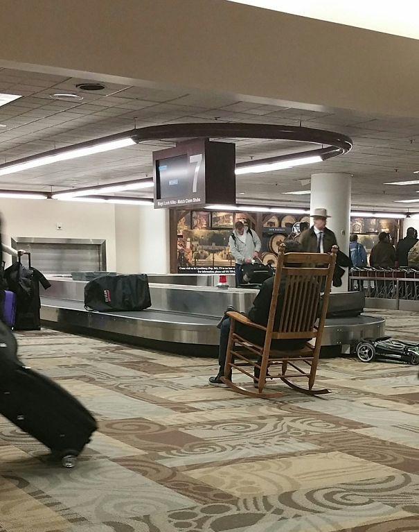 Tổng hợp những hình ảnh kỳ thú chỉ có ở sân bay - Ảnh 13.