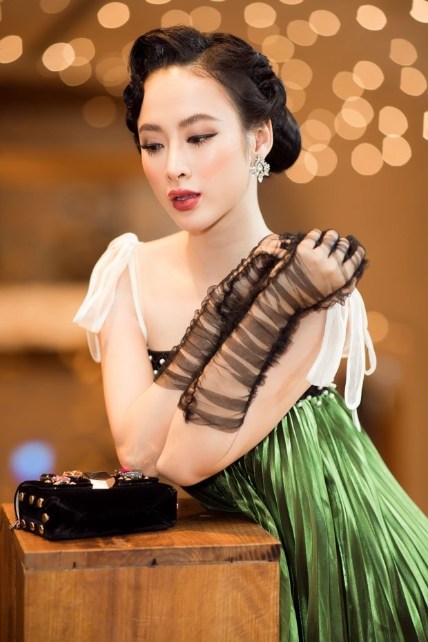 Sao Việt với mốt đeo găng tay: Người được khen hết lời, người bị chê