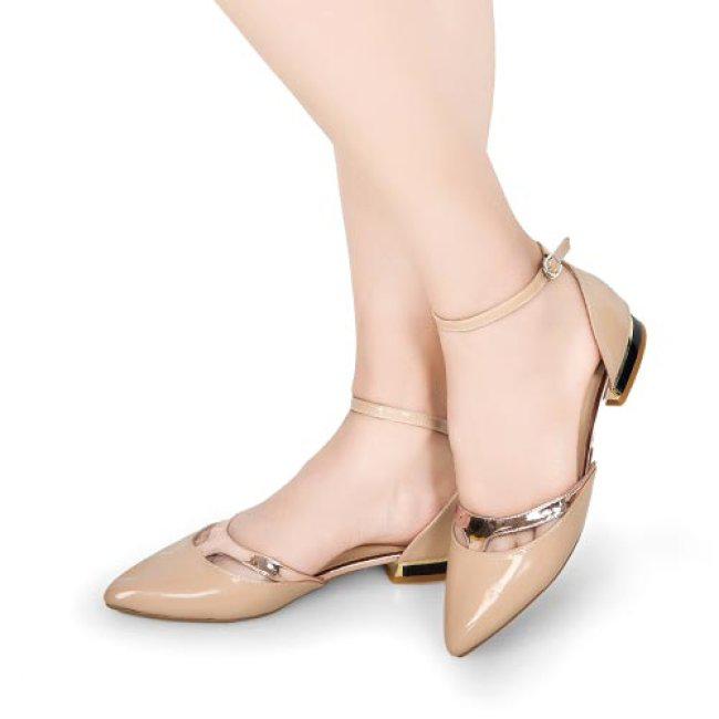Không cần giày cao gót, vẫn có thể hack chiều cao với món đồ này