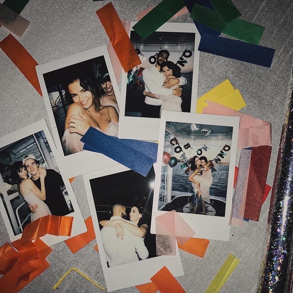 Selena Gomez diện váy trễ nải vòng 1, ôm trai lạ thân thiết trong tiệc sinh nhật tuổi 26 - Ảnh 3.