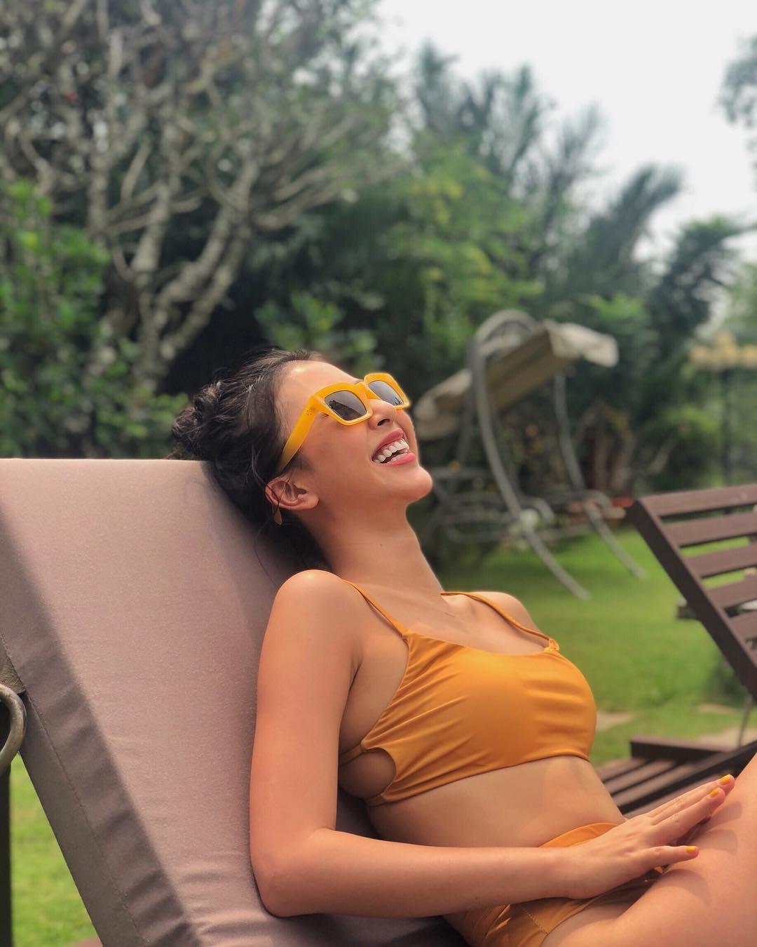 Diện bikini khoe da nâu và cơ bụng săn chắc, Quỳnh Anh Shyn được fan gọi là Kendall Jenner của Việt Nam