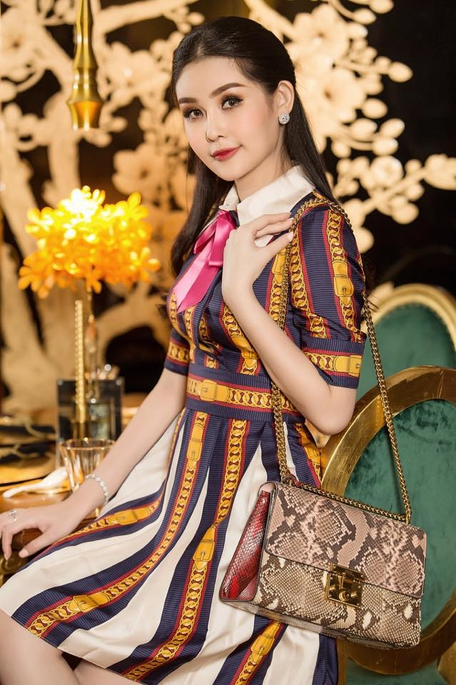 Học lỏm ngay các bí quyết mặc lại đồ cũ mà vẫn phong cách 5 sao Việt