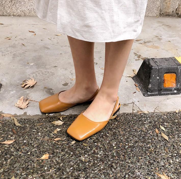 3 mẫu giày đế thấp này sẽ là sự thay thế hoàn hảo cho giày cao gót bởi vừa thoải mái lại tôn dáng cực đỉnh - Ảnh 7.