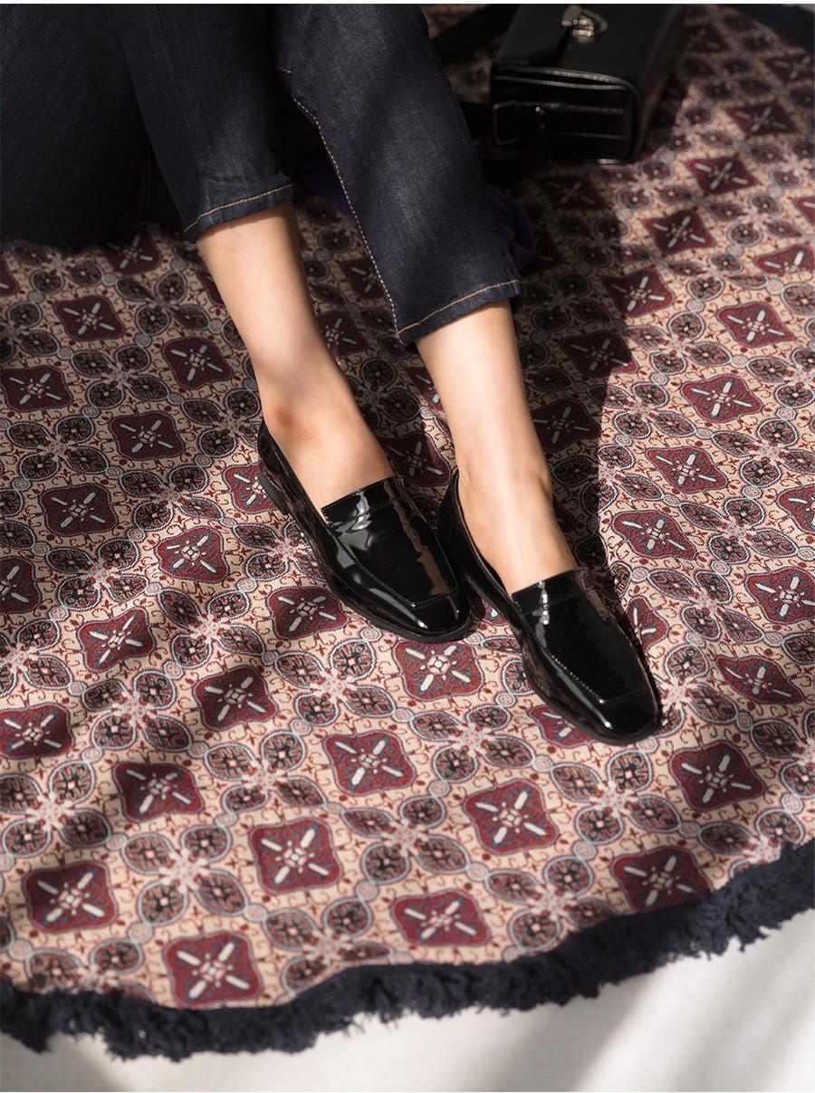 3 mẫu giày đế thấp này sẽ là sự thay thế hoàn hảo cho giày cao gót bởi vừa thoải mái lại tôn dáng cực đỉnh - Ảnh 10.