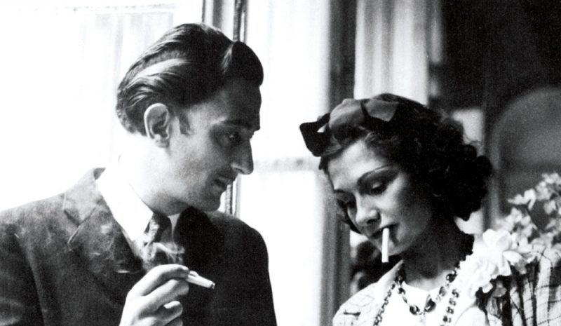 Coco Chanel: Từ ca sĩ phòng trà đến nhà thiết kế thời trang huyền thoại, là bóng hồng của bao người lỗi lạc nhưng mãi cô đơn đến cuối đời - Ảnh 3.