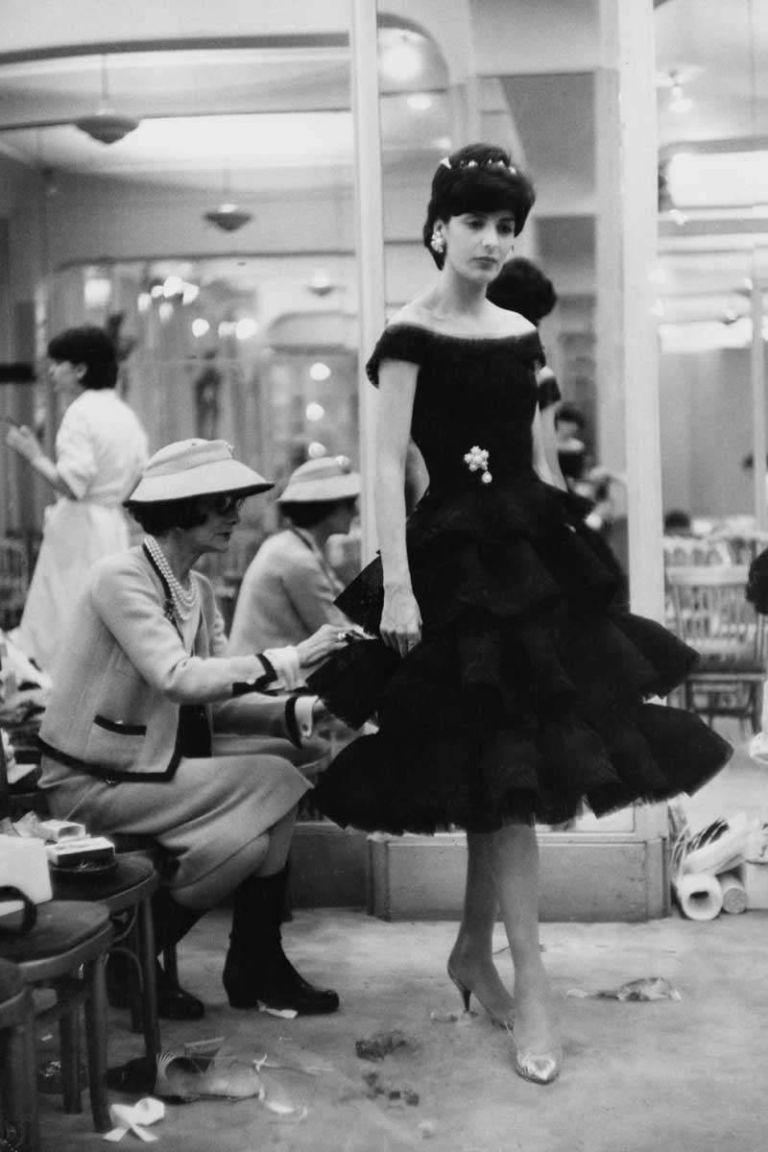 Coco Chanel: Từ ca sĩ phòng trà đến nhà thiết kế thời trang huyền thoại, là bóng hồng của bao người lỗi lạc nhưng mãi cô đơn đến cuối đời - Ảnh 10.