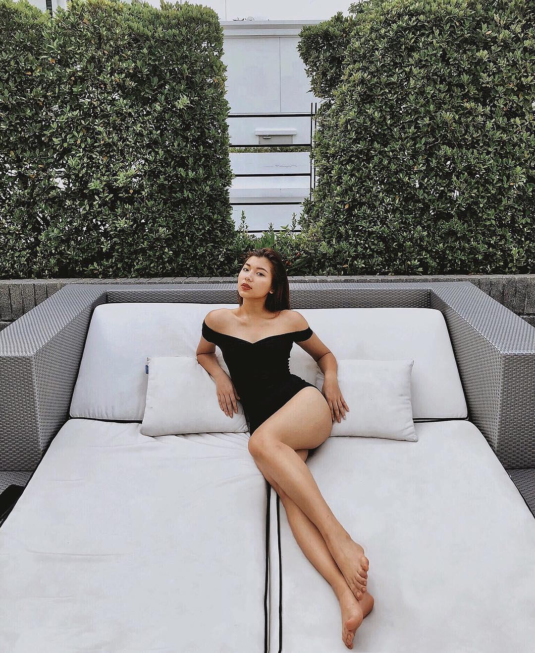 Da nâu trendy body mảnh mai, nhưng phải vì Minh Tú thì Đồng Ánh Quỳnh mới chịu diện bikini quyến rũ