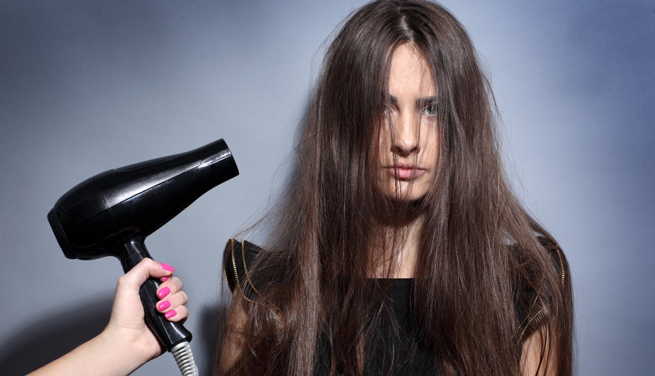 Vừa gội đầu xong đã làm những điều này chỉ khiến mái tóc nhanh hư tổn - Ảnh 5.