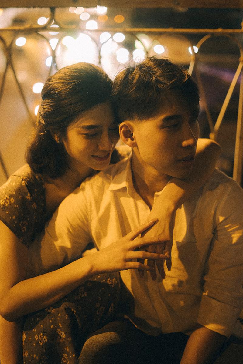 Ảnh tình yêu chụp vội của cặp đôi 'chị-em' trên phố Hà Nội thu hút nghìn 'like' 7