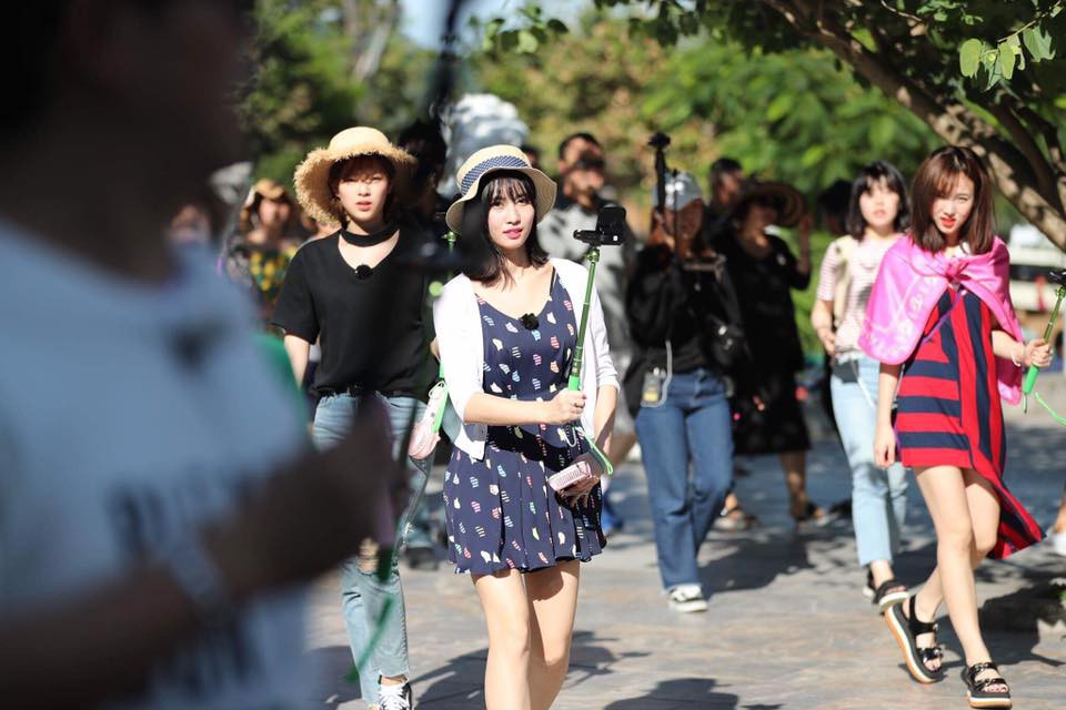 Đà Nẵng nổi lên như một địa điểm vàng, hàng loạt sao Hàn kéo nhau đến du lịch, chụp tạp chí ngày một đông - Ảnh 39.
