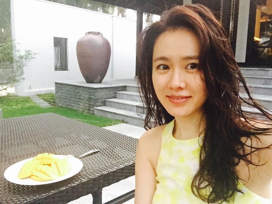 Đà Nẵng nổi lên như một địa điểm vàng, hàng loạt sao Hàn kéo nhau đến du lịch, chụp tạp chí ngày một đông - Ảnh 2.