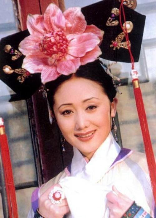 Nguỵ Anh Lạc phiên bản Hoàn Châu Cách Cách: Từng phá thai vì vai diễn, sớm từ bỏ showbiz để vun vén tổ ấm hạnh phúc - Ảnh 1.