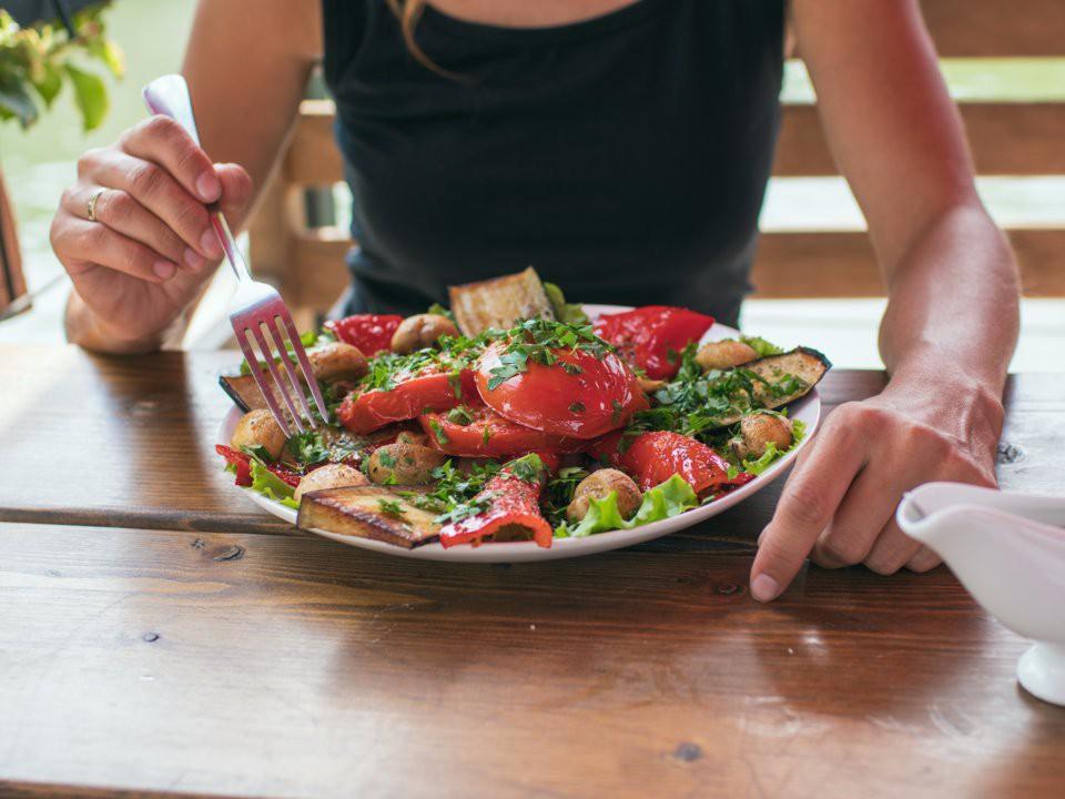7 quy tắc ăn uống cần ghi nhớ khi thực hiện chế độ Detox kết hợp ăn uống - Ảnh 5.