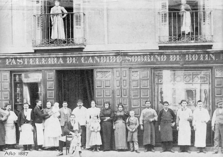 Nhà hàng lâu đời nhất thế giới vẫn đang hoạt động: tồn tại sau gần 300 năm - Ảnh 1.