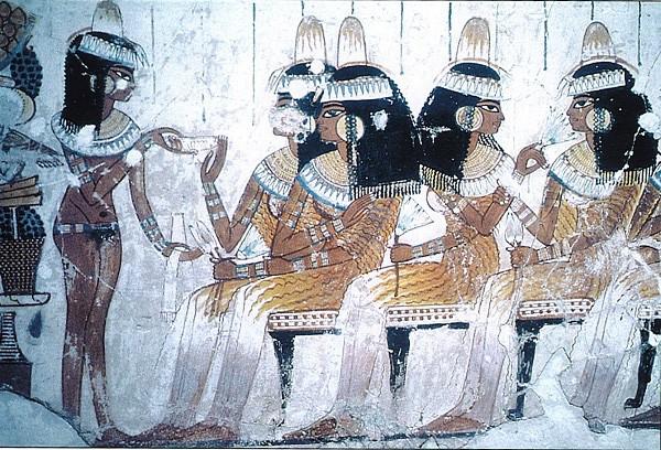 Thời xưa, cứ nhìn vào đặc điểm này biết ngay ai là người quý tộc, giàu sang - Ảnh 1.