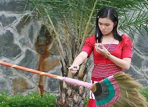 12 năm trước, cô bạn xinh đẹp này từng bị cả nước ghét vì dám tát Angela Phương Trinh trên màn ảnh nhỏ - Ảnh 3.