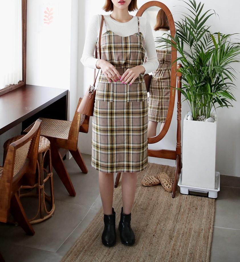 Đừng vội cất những chiếc váy hai dây bởi các nàng có thể diện được muôn kiểu tuyệt xinh trong tiết thu se lạnh 11