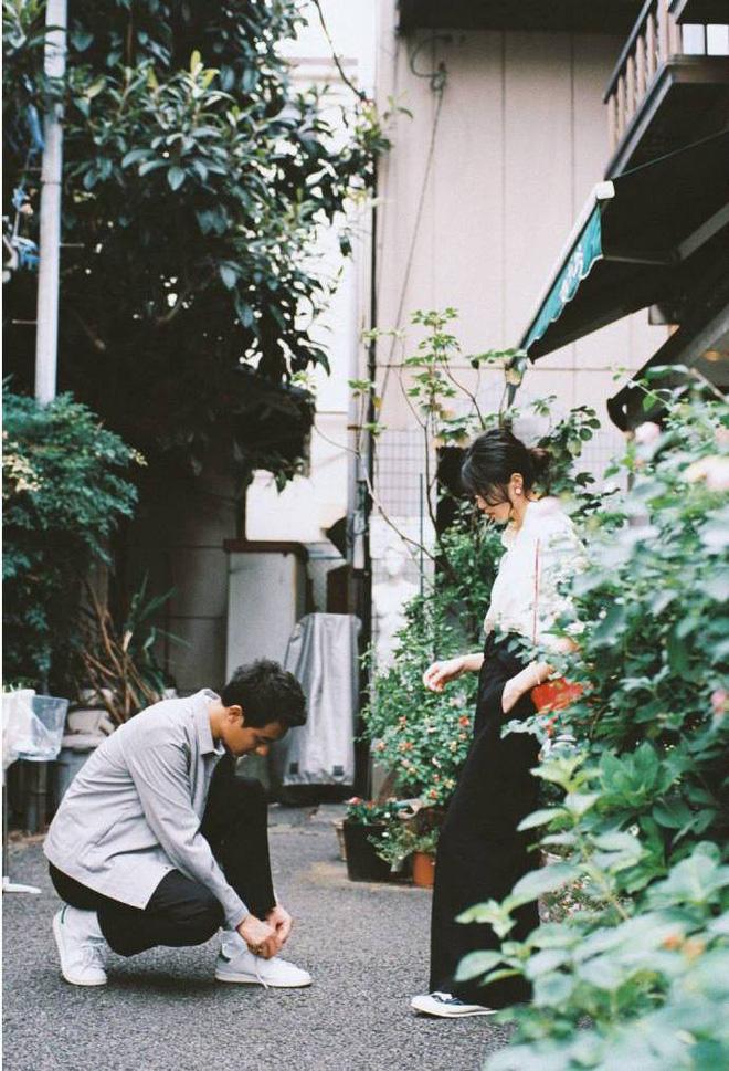 Thời đại của ảnh phim: Đi ba bước ra bãi cỏ, cafe tán gẫu hay giặt ủi công cộng cÅ©ng có thể sáng tác ngôn tình - Ảnh 5.
