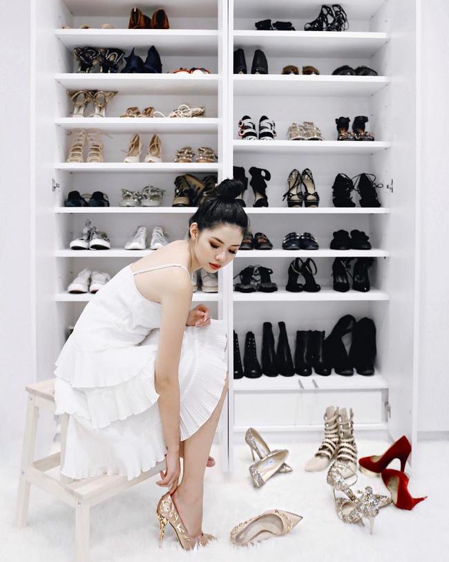 """Thay mặt hội chị em kiểm nghiệm những mẫu giày dép phổ biến, cô nàng này đã tìm ra thiết kế """"nịnh dáng"""" nhất - Ảnh 1."""