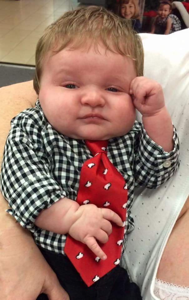 Chùm ảnh: Những em bé sơ sinh có gương mặt già như quả cà, một nhóc còn giống hệt Gordon Ramsay - Ảnh 11.
