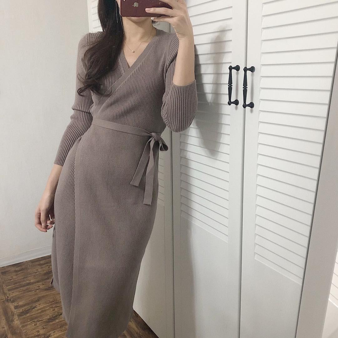 Váy dệt kim – chiếc váy mềm mại, đầy quyến rũ mà các nàng không thể làm ngơ trong những ngày trời se lạnh - Ảnh 1.