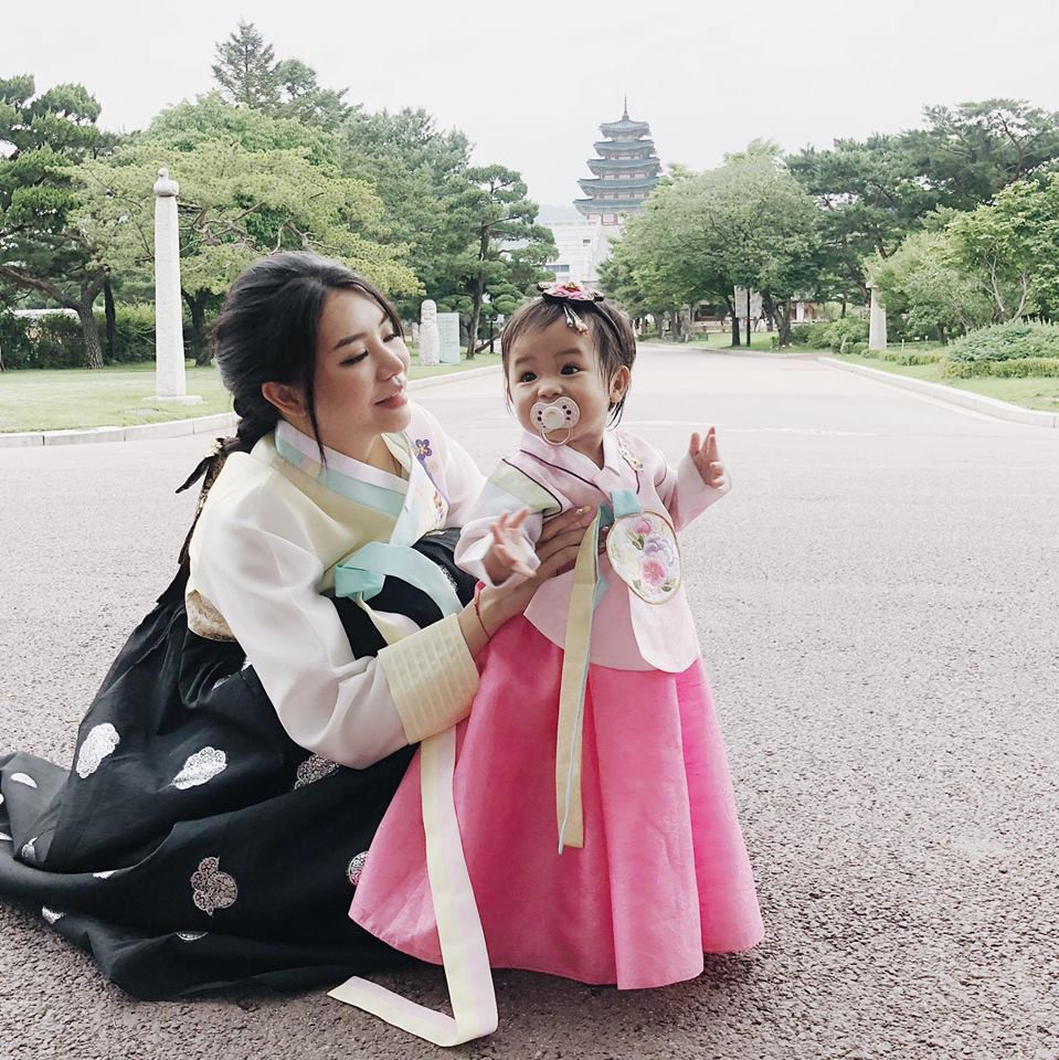 Hot mom thế hệ mới: Người kiếm 2 tỷ/tháng nhờ kinh doanh, người vượt mặt Sơn Tùng M-TP về lượng follower - Ảnh 4.