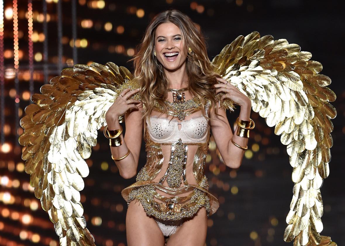 Danh sách 59 người mẫu của Victorias Secret Show 2018: Ming Xi tiếp tục diễn sau cú ngã năm ngoái, thiên thần Behati tái xuất - Ảnh 3.