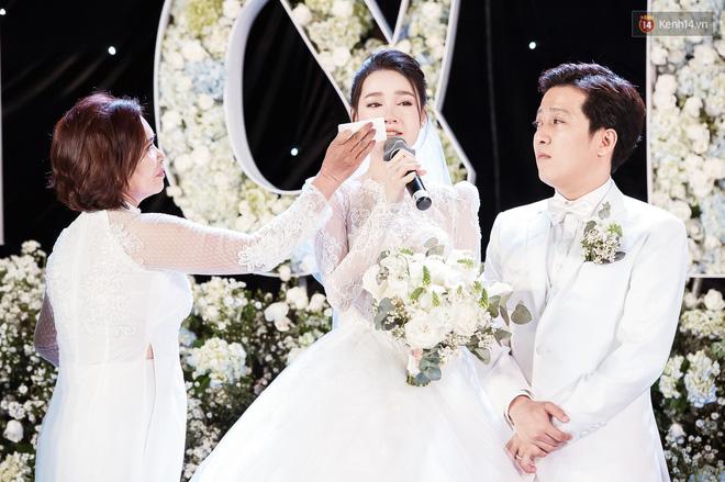 Đám cưới Trường Giang Nhã Phương: Những khoảnh khắc xúc động nhất - ảnh