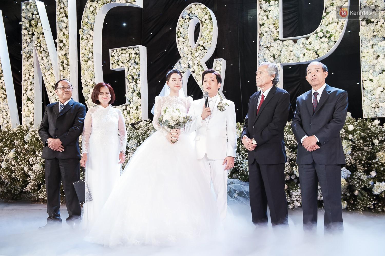 Đám cưới Trường Giang Nhã Phương: Những khoảnh khắc xúc động nhất - Ảnh 2.