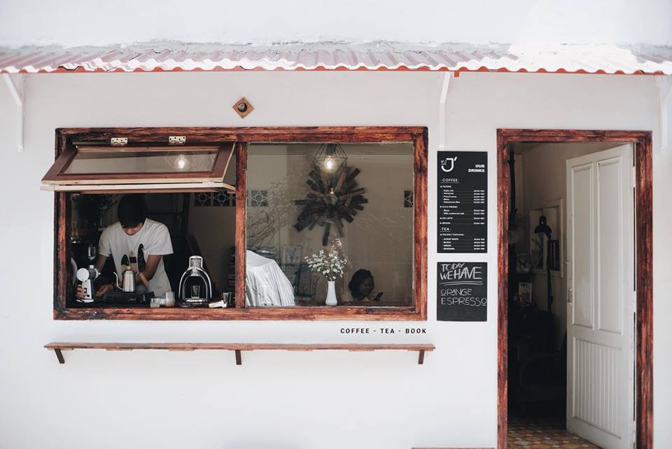 Mùa nào thì Đà Lạt cũng không thiếu những quán cà phê xinh xắn để bạn tha hồ lê la cả ngày không chán - Ảnh 2.